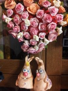 Купить сувенир Сердце из роз (холодный фарфор)