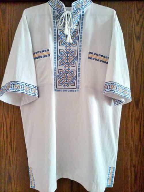 Сорочка с коротким рукавом и накладными карманами