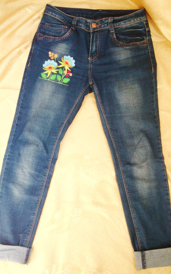 Вышивка гладью на готовых джинсах