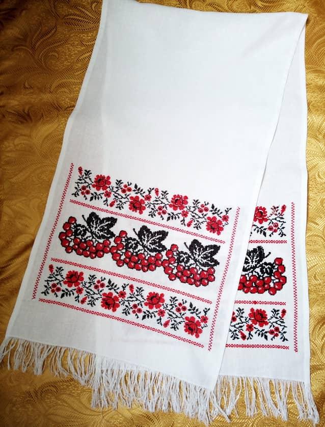 Рушник на иконы для невесты