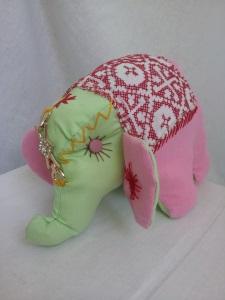 Купить игрушку недорого. Слоник с декоративной вышивкой