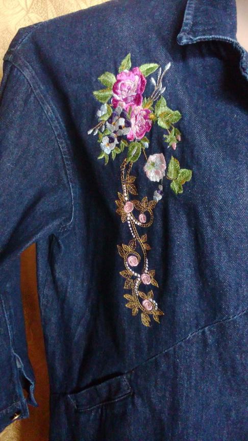 Букет роз на пальто