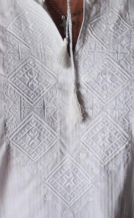 Орнамент для мужской сорочки белым по белому
