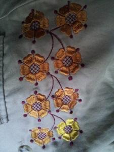 Украшение вышивкой. Элемент вышивки на грудь летнего пиджака