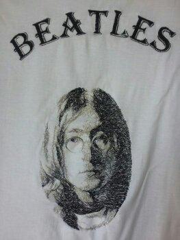 Украшение вышивкой. Футболка с Beatles