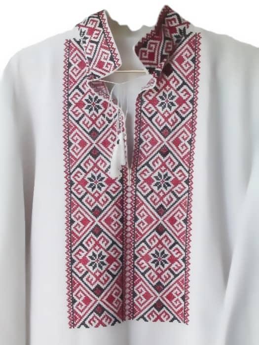 Вышиванка мужская в традиционном стиле (грудь).