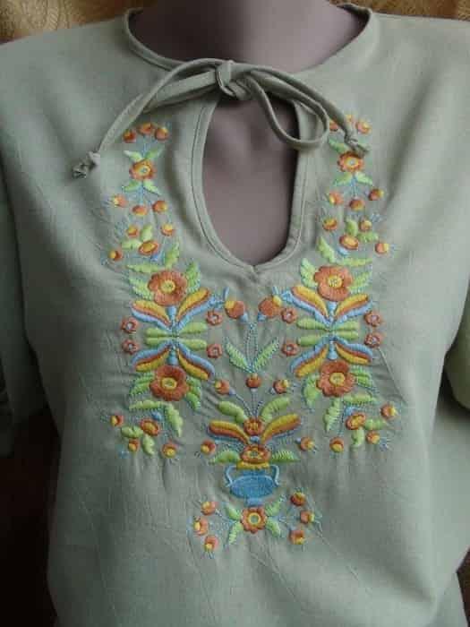 Блуза льняная салатового цвета