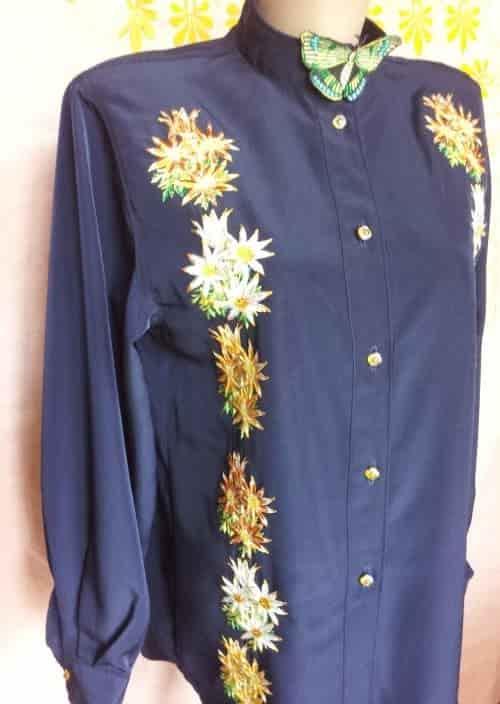 Блуза рубашечного типа (вид с боку)