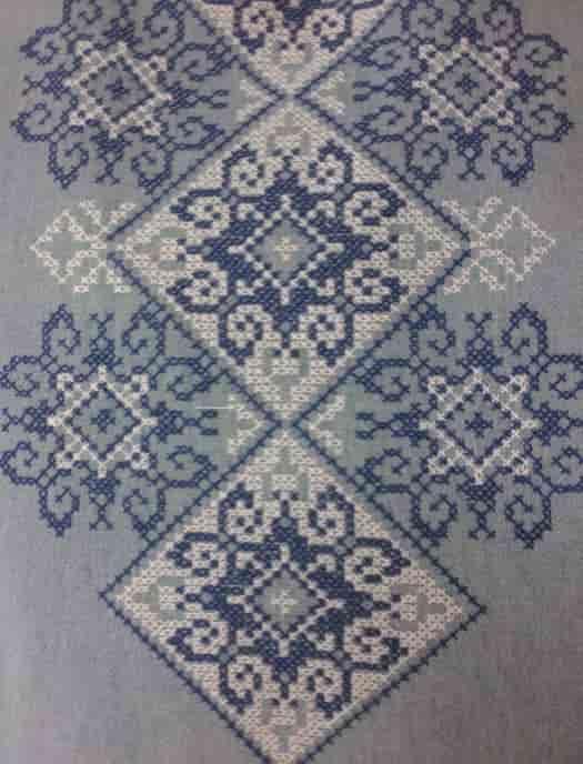 Орнамент вышитый на сорочку ''Снежинка''