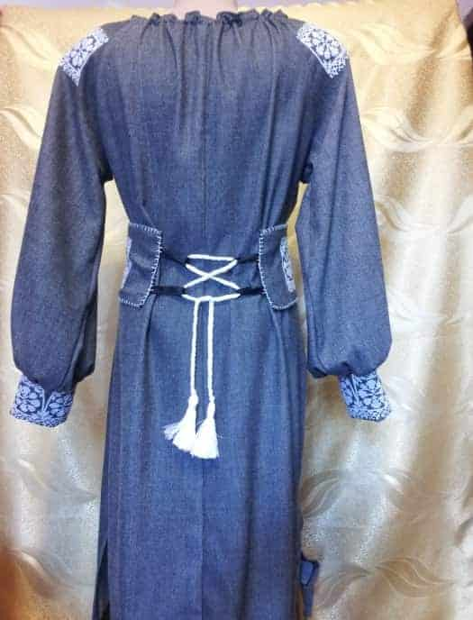 Платье ''Цепи'' (вид сзади)
