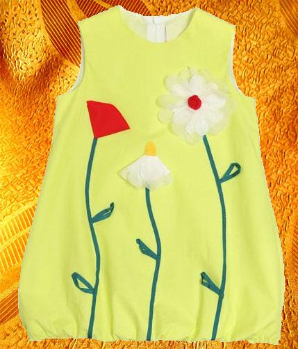 Платье для девочки с апликацией