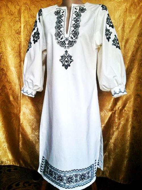 Платье джинсовое ''Вязь''. Черным по белому