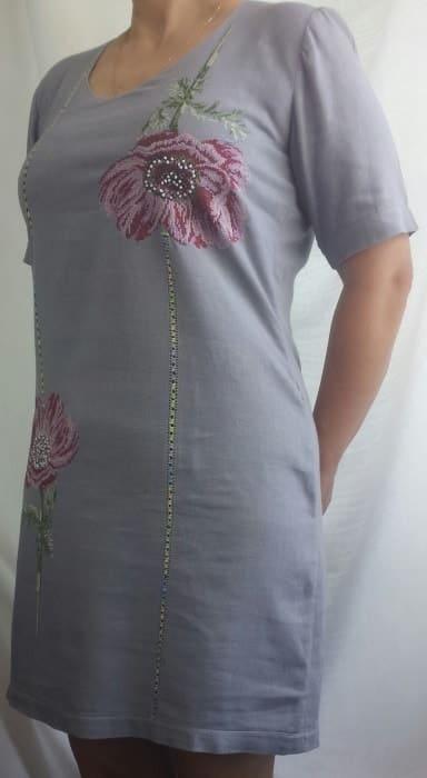 Платье-футляр с крупными маками