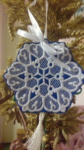 Украшение новогоднее. Вышитая Снежинка ажурная