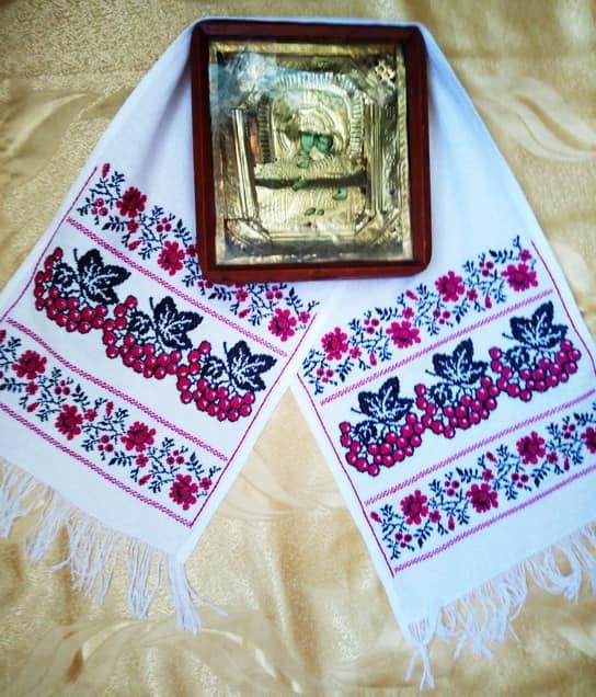 Рушник на икону для невесты