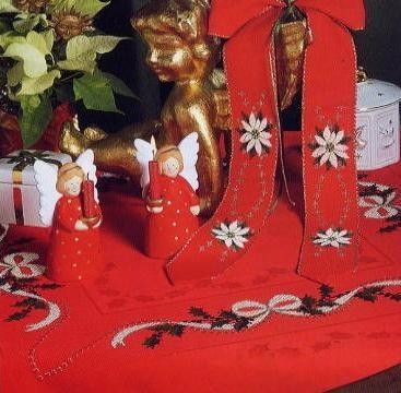 Скатерть рождественская с цветком