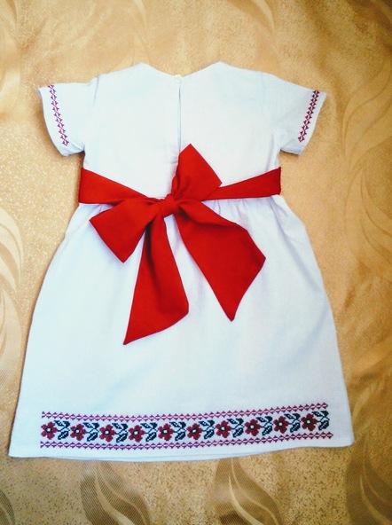 Платье для девочки Ани (вид сзади)